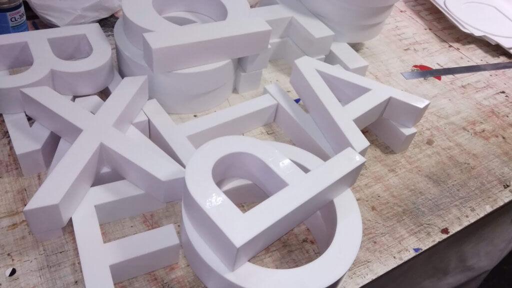 заготовки для световых букв для компани Реесанс